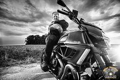 Www.bikershooting.com       ducati diavel carbon