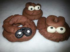 De leukste traktatie! Drol koekje. De kinderen vonden het geweldig en het is heel makkelijk te maken. De oogjes zijn gewoon te koop bij Hema. Recept staat op www.taartenacademie.nl/trakteren-op-een-drolletje