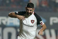 San Lorenzo venció a Central y pelea por el titulo: Le ganó 2 a 1 al Canalla con goles de Ortigoza y Caruzzo; descontó Teo Gutiérrez.