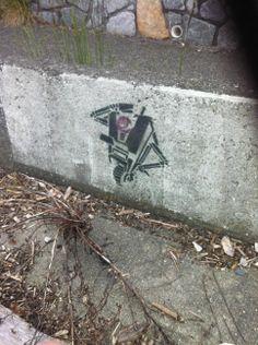 Claptrap spray paint found in Victoria BC - Imgur