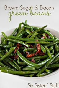 Brown Sugar and Bacon Green Beans from Six Sisters on MyRecipeMagic.com is the perfect veggie side dish for your Thanksgiving! #beans #green #bacon