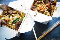 KNUSPERKABINETT: Veganes Pad Thai mit würzigen Austernpilzen