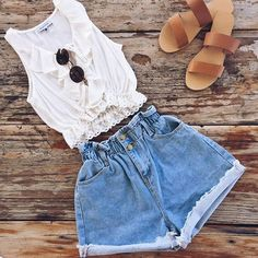 Such a great weekend combo☀️   Our Promises Top and Lost and Found Shorts   SHOP--> www.muraboutique.com.au  #muraboutique #weekend #style #fashion #casual #coastal #girly #flats #flatlay #sandals #outfit #summer