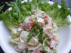 Důkladně očištěné brambory nakrájíme na plech, osolíme, pokapeme olejem a pečeme v troubě, dokud se neudělá kůrčička. Mezitím si umícháme zálivku... Potato Salad, Cabbage, Salads, Potatoes, Chicken, Meat, Vegetables, Ethnic Recipes, Food