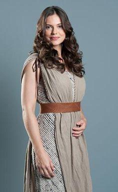 Eliseba I Elisheba (Gabriela Durlo), Arão's (Aaron's) wife.