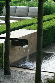 Waterfall in the garden minimlaistisch