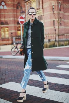 Jeans: ACNE | Sweater | Shoes: Opening Ceremony | Bag: Vintage Louis Vuitton | Sunglasses: ACNE | Coat: & Other Stories