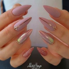 37 elegant stiletto nail art designs for vacation - nails -.- 37 Elegant Stiletto Nail Art Designs for Vacation – Nails – # for - Fancy Nails, Cute Nails, Pretty Nails, Star Nails, New Year's Nails, Glow Nails, Glitter Nails, Bling Nails, Bling Bling