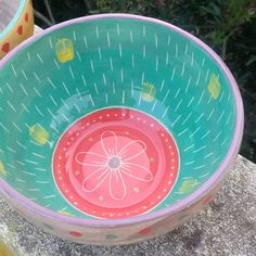 Pottery Painting Designs, Paint Designs, Ceramic Plates, Concrete, Craft Projects, Deco, Creative, Vintage, Serving Bowls
