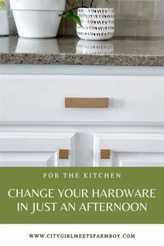 Using Liberty pulls from The Home Depot, you can change out old hardware in just minutes! Without new holes! Click here to find out how! Kitchen Post, Diy Kitchen, Kitchen Decor, Kitchen Ideas, Fall Home Decor, Cheap Home Decor, Hallway Decorating, Decorating Tips, Home Decor Styles