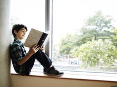 Summer book reading programs that offer kid-friendly perks and freebies. ** remember the Barnes & Noble and Half Price Books ones **