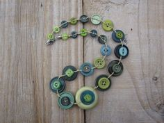 Button Jewellery, Button Necklace, Green Necklace, Jewelry, Belly Button Rings, Buttons, Jewlery, Jewerly, Schmuck