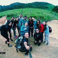 Uma galera incrível reunida curtindo o melhor que temos: natureza e amizades!  #aventure #perfectday #summit #montanhas #natureza #nature #aventura #adventure #mochileiros #profissaoaventura #amigos #friends #serrapelada #cachoeira #gopro #goprohero4 #goprobrasil #summer #insta #natgeo #trekking