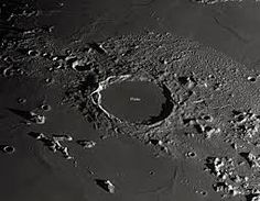 crater lunar