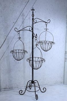Wrought Iron Tree with Baskets Flower Plant Stand Metal Plant Stand, Modern Plant Stand, Plant Stands, Hanging Basket Stand, Decorated Flower Pots, Wrought Iron Decor, Iron Plant, Backyard Pool Landscaping, Ceramic Flower Pots
