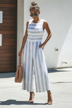 Jumpsuits For Women Are Back! - Jumpsuits For Women Are Back! Jumpsuits For Women Are Back! - Jumpsuits For Women Are Back! Source by -. Jumpsuit Outfit, Casual Jumpsuit, Striped Jumpsuit, Tailored Jumpsuit, Jumper Outfit Jumpsuits, Mode Outfits, Fashion Outfits, Ladies Fashion, Womens Fashion