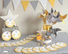 Ensemble en harmonie jaune, gris et blanc thème étoile http://www.maison-des-delices.fr/contenants-a-dragees-mariage-moulin+%E0+vent-1039