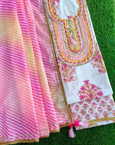 Indian Suits, Indian Wear, Indian Style, Designer Punjabi Suits, Indian Designer Wear, Diy Embroidery Patterns, Anarkali Suits, Printed Cotton, Indian Fashion