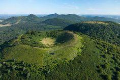 Puy des Goules Parc des volcans d'Auvergne - France