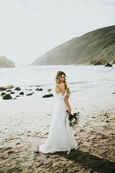 Dreamy off-the-shoulder bridal style | Image by Krista Ashley Photography