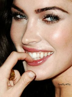 Megan Fox is an American actress and model, her full name is Megan Denise Fox. Megan Fox Thumb, Megan Denise Fox, Megan Fox Hands, Veronica Lake, Jennifer's Body, Face And Body, Clubbed Thumb, Beautiful Smile, Beautiful Women