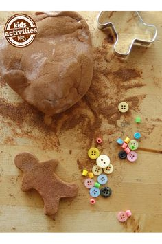 Smells so good!  Make gingerbread play dough for kids - perfect activity for holiday down time.