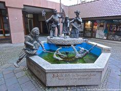 ... fontana con personaggi fantastici ... Waldkirch (D) - 08/09/2014   - © Umberto Garbagnati -