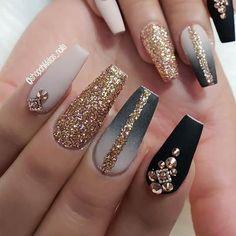 Glam Nails, Bling Nails, Glitter Nails, Stiletto Nails, Best Acrylic Nails, Acrylic Nail Designs, Nail Art Designs, Perfect Nails, Gorgeous Nails
