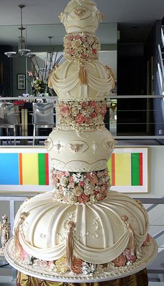 crazy wedding cakes Trendy We - weddingcake Extravagant Wedding Cakes, Tall Wedding Cakes, Crazy Wedding Cakes, Indian Wedding Cakes, Amazing Wedding Cakes, Elegant Wedding Cakes, Wedding Cake Designs, Trendy Wedding, Purple Wedding