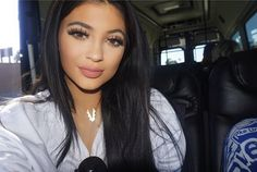 Kylie Jenner Lip Injections Dangerous? Before And After Instagram Photos ... Kylie Jenner  #KylieJenner