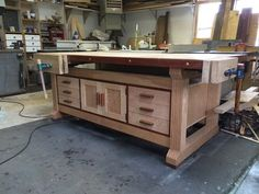 Nice workbench with storage