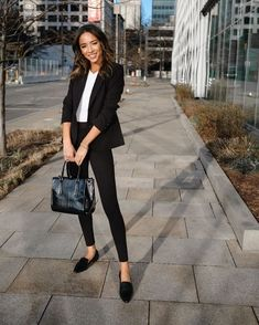 Business Casual Outfits For Work, Business Professional Outfits, Business Outfits Women, Women's Professional Clothing, Casual Office Outfits Women, Women Business Casual, Women Work Outfits, Business Attire For Young Women, Work Attire Women