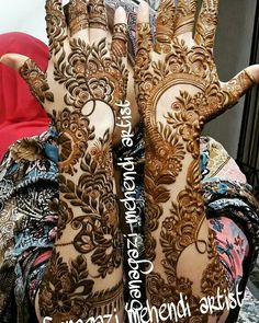 ✨ For More Stuff You can follow on Pinterest  @Kubra Yousuf ✨ Henna Hand Designs, Full Mehndi Designs, Floral Henna Designs, Mehndi Designs For Girls, Stylish Mehndi Designs, Wedding Mehndi Designs, Dulhan Mehndi Designs, Mehandi Designs, Khafif Mehndi Design