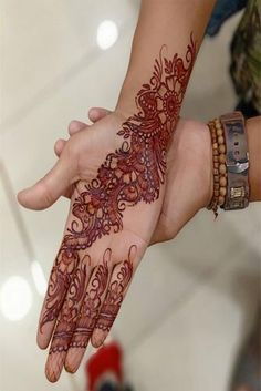 65 Best Mehndi Designs is an old custom in Asia and other parts of the planet to embellish your hands with Henna on Weddings. Mehndi Tattoo, Mehndi Art, Henna Mehndi, Henna Art, Mehendi, Hand Henna, Mehndi Style, Unique Mehndi Designs, Trends