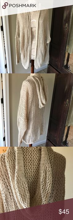 Brandy Melville cream cotton cardigan hoodie Cotton brandy melville cardigan hoodie. Perfect with jeans or as a coverup. One size fits all. Made in Italy. Worn once. Brandy Melville Sweaters Cardigans