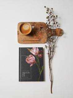 We have collaborated on new Papier stationery designs featuring updated Mother of Pearl florals and an additional launch of our new 'No Frills' range with a minimal aesthetic. Simple Aesthetic, Stationery Design, No Frills, Note Cards, Florals, Minimal, Product Launch, Range, Invitations