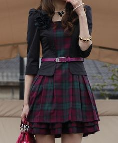 love this, with a longer skirt part and a darker belt.<<<hmmm, not *long* long, but just a tad bit longer- to the knees.