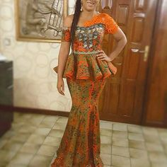 Mesmerising Peplum Aso Ebi Skirt and Blouse Styles 2018 for Wedding Guests.Mesmerising Peplum Aso Ebi Skirt and Blouse Styles 2018 for Wedding Guests African Dresses For Women, African Attire, African Wear, African Fashion Dresses, African Women, Ankara Fashion, African Beauty, Nigerian Outfits, African Blouses