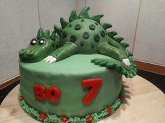 Dino taart door Mo's Home Bakery