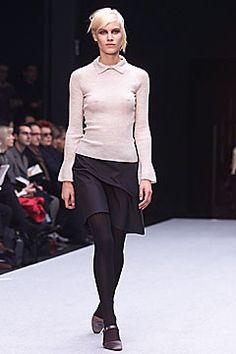 Alberta Ferretti Fall 2001 Ready-to-Wear Fashion Show - Delfine Bafort, Alberta Ferretti