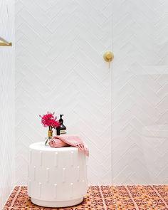 Feature floors coupled with herringbone tiled-walls. A bathroom of dreams ✨ 📷… Herringbone Wall, Tile Inspiration, Bathroom Rennovation, Lake House Bathroom, Bathroom, Herringbone Tile, Bathroom Backsplash, Herringbone Tile Bathroom, Herringbone Wall Tile