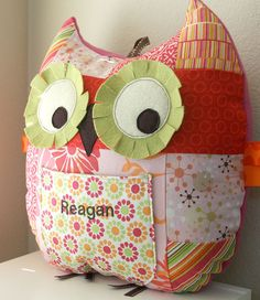 Personalized Owl Pillow... sooo cute! <3