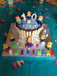 Sisters 10th Minion a Cake