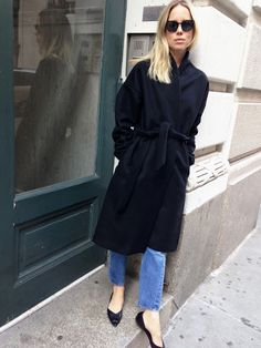 wrap coat via elin kling Elin Kling, Song Of Style, Style Me, Gala Gonzalez, Alexandra Pereira, Fashion Gone Rouge, Belted Coat, Minimal Fashion, Minimal Chic