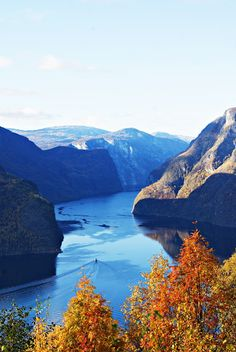 Stegastein - stunning view point to the fjord | Let's get lost!