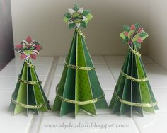http://www.alydosdall.com/2011/12/crafty-christmas-countdown-paper_20.html