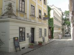 1070 - Spittelberg, old Viennese cuisine, very nice Nice, Vienna, Places, Restaurants, Eat, Kitchens, Restaurant, Nice France, Lugares