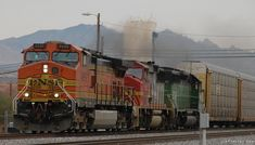 BNSF train with former Santa Fe Warbonnet locomotive and green former Burlington Northern locomotive in Benson, Arizona New Mexico Vacation, Bnsf Railway, Rail Transport, Burlington Northern, Diesel Locomotive, Santa Fe, Benson Arizona, Trains, Christian