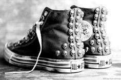 Women Shoes all star converse skulls skull stud studs coole schuhe trainer sneaks sneakers Converse All Star, Converse Shoes, Studded Converse, Converse Outlet, Red Chucks, Purple Converse, Custom Converse, Black Converse, Cute Shoes