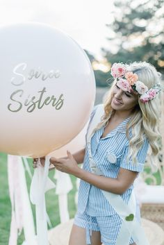 Shop our latest hens day editorial with Miss Universe Australia winner Olivia Rogers. From flowers, bridal sashes, balloons, stationery and posy robe gowns LENZO has it.
